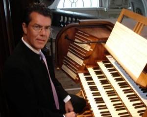 L'Organiste : Emmanuel CLACENS